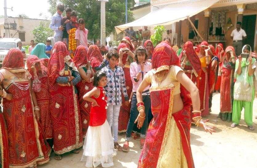 Rajasthani woman dance
