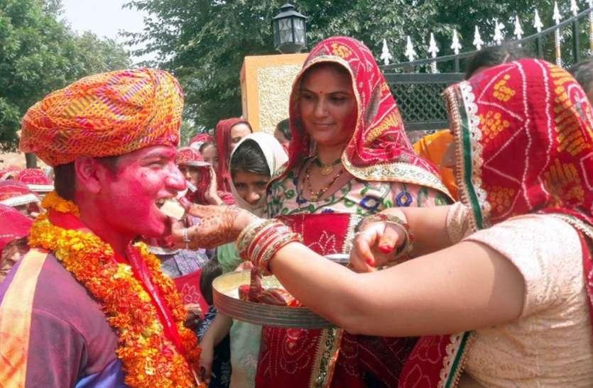 Om Prakash Mitharwal : इंडियन आर्मी के इस हीरो का भव्य स्वागत, बहनों ने उतारी आरती, DJ पर नाचा पूरा गांव