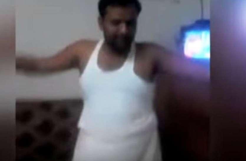 लुंगी डांस करने वाला अखिलेश सरकार का यह पूर्व राज्यमंत्री जानलेवा हमले में पुलिस के हत्थे चढ़ा