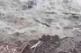शारदा और घाघरा नदी लगातार मचा रही तबाही , लोगों पर आई बड़ी आफत