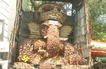 चेन्नई में 7 हजार केले के फूलों से बनाई गई भगवान गणेश की मूर्ति