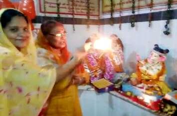 Video: बहुत सिद्ध है आगरा का ये मंदिर, पांच दिनों के लिए पधारे हैं गणपति, मांग लो जो मांगना है...