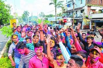 गणेशोत्सव: गणपति बप्पा को खुश कर रहे हैं हॉस्टलर, खास है इनका अंदाज