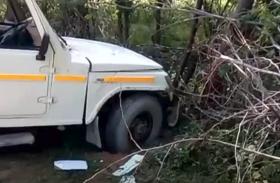 चार पहिया वाहन की स्टेयरिंग हुई फेल, हादसे में 9 महिलाएं घायल