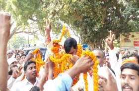 बरहनी में गुड्डू जीते, समर्थकों में खुशी की लहर