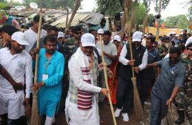 झारखंड:सीएम ने मंत्रियों के साथ चलाया स्वच्छता अभियान