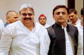 जानिए कौन हैं मुजाहिद किदवई जिन्हें समाजवादी पार्टी हाईकमान ने प्रवक्ता का पद सौंपा है...