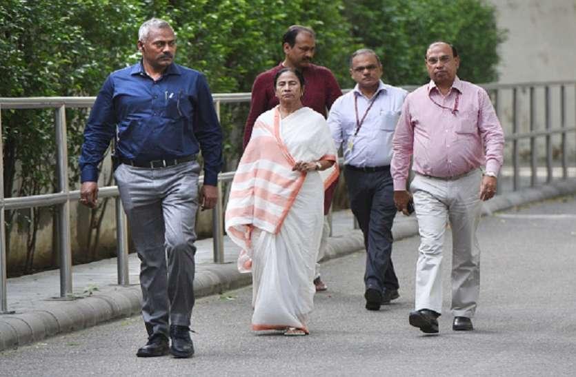 12 दिवसीय विदेश दौरे पर पश्चिम बंगाल की सीएम ममता बनर्जी