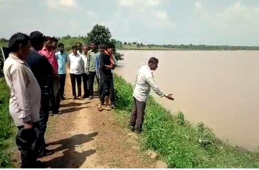 बाढ़ के हालात से गुजरे बारां पर फिर संकट, तालाब की पाल में सुराख से कई गांव प्रभावित होने की आशंका