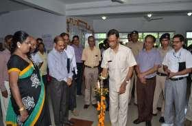 आरडीएसओ महानिदेशक एम हुसैन ने दीप जलाकर राजभाषा प्रदर्शनी का किया उद्घाटन