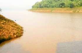 जिले में बारिश न होने से किसानों ने फसल की सिंचाई के लिए मांगा पानी