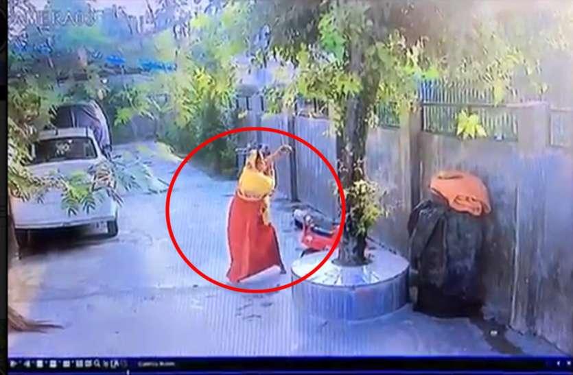 भगवान शिव ने बचाई इस सपा नेता की पत्नी की जान, वीडियो में देखें किस तरह मौत के मुंह से निकली बाहर