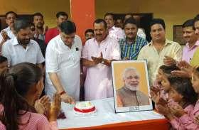 सपा छोड़ भाजपा में शामिल होने वाले इस नेता ने पीएम मोदी के जन्मदिन पर कर दिया कुछ एेसा