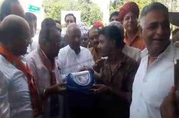 भाजपा प्रदेशाध्यक्ष मदनलाल सैनी ने कुछ यूं मनाया प्रधानमंत्री मोदी का जन्मदिन