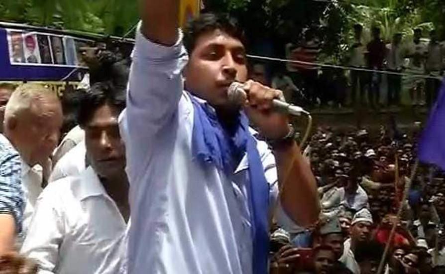 Video: भीम आर्मी प्रमुख चंद्रशेखर ने बताया क्याें हुआ यूपी में बसपा आैर सपा के बीच गठबंधन