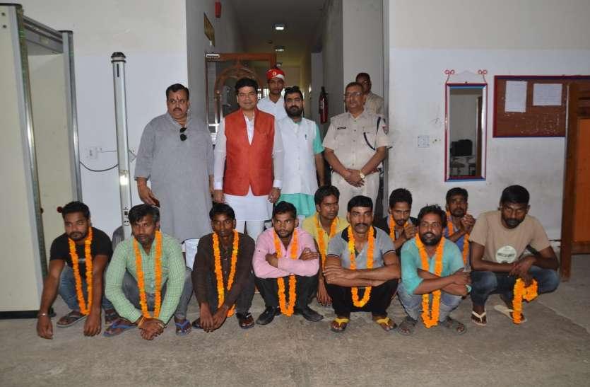 प्रधानमंत्री के जन्मदिन का बंदियों को मिला तोहफा,मेयर उमेश गौतम ने जेल से रिहा कराए 10 बंदी