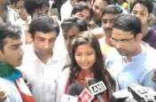 करिश्मा ठाकुर ने अखिलेश-मायावती को दी सलाह, देश के प्रधानमंत्री नरेंद्र मोदी को बताया तानाशाह