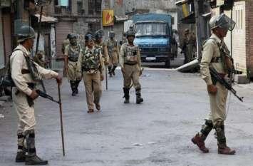 जम्मू-कश्मीर: कुलगाम में आतंकवादियों ने सुरक्षाकर्मी को घर में घुसकर मारी गोली, जवान शहीद