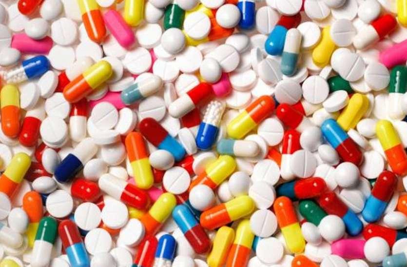 प्रतिबंध के बाद भी बाजार में धड़ल्ले से बिल रही प्रतिबंधित दवाइयां, हो रहा है लोगों के स्वास्थ से खिलवाड़