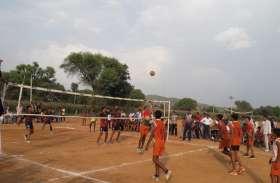 बालिका वर्ग में चूरू व बालक वर्ग में बीकानेर की टीम रही चैंपियन....राज्य स्तरीय वालीबॉल प्रतियोगिता का फाईनल मुकाबला रहा रोमांचक