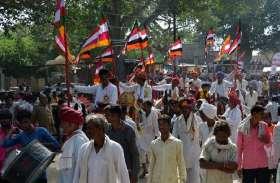 देवनारायण की शोभायात्रा में घोडिय़ों के नृत्य व अखाड़ेबाजों के करतब के बीच उमड़ा श्रद्धा का सैलाब