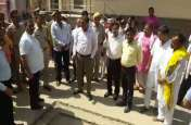मथुरा: एनजीटी के आदेश पर ईटीपी प्लांट का निरीक्षण करने पहुंचे मंडलायुक्त
