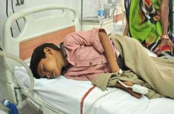 यूपी के कई जिलों में महामारी का रूप ले रहा जानलेवा बुखार, अब तक हुई इतनी मौतें