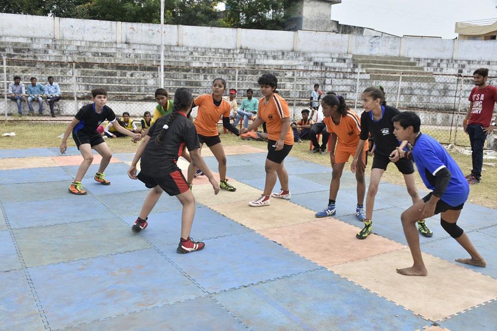 खिलाडिय़ों ने दिखाई प्रतिभा, दिलाई टीमों को जीत
