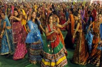 Shardiya Navratri का लोग कर रहे हैं इंतजार, देवी गीतों को बजाने के लिए यहां देखें लिस्ट