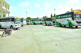 रोडवेज के जाम से यात्री परेशान, कर्मचारियों ने नारेबाजी कर जताया विरोध, निजी को फायदा