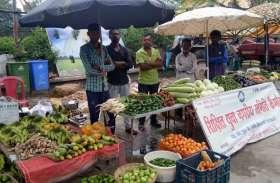 दोस्तों को बेरोजगार देख 30 हजार रुपये वेतन की नौकरी छोड़ बनाया समूह, 10 लोगों को जोड़ा रोजगार से, कमा रहे हजारों