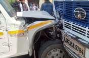 सीकर में बड़ा सड़क हादसा,रोड पर तड़पती  रही महिलाएं