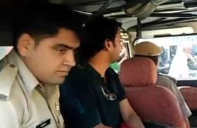 पुलिस के शिकंजे में शिक्षक: छात्राओं को दिखाई अश्लील फिल्म