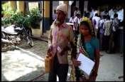 तहसील दिवस में किसान ने की आत्मदाह का प्रयास, प्रधानमंत्री शहरी आवास के लिए रिश्वत मांगने का आरोप