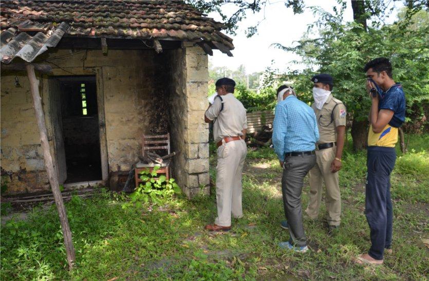 रेलवे के आउट हाउस में फंदे पर झूलते मिला अज्ञात युवक का शव