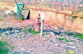 कुम्हार मोहल्ले में गहराया जल संकट