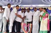 PICs : मुख्यमंत्री ने बड़े भाई के साथ किया शिलान्यास