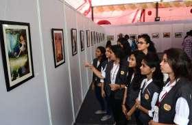कला प्रदर्शनी शासुन संस्कृति में छात्राओं ने दिखाया उत्साह