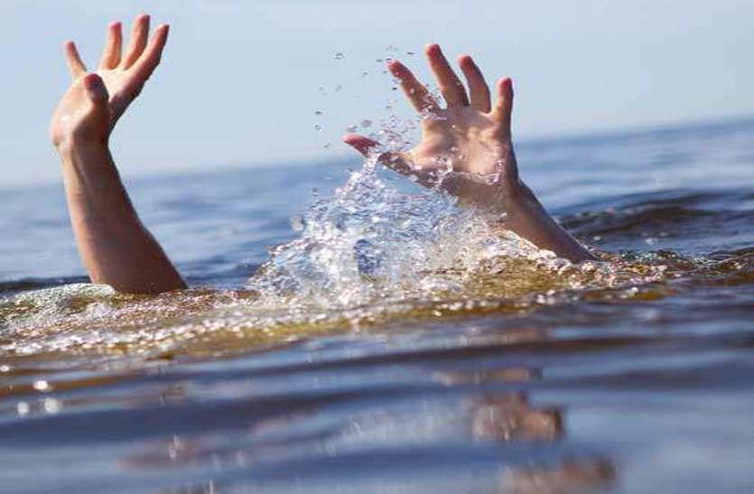 घूमने आए प्रेमी जोड़े ने उठाया आत्मघाती कदम,प्रेमी ने तालाब में लगा दी छलांग,GF हुई