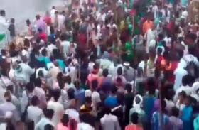 यूपी के इस जिले में मुहर्रम जुलूस के दौरान जमकर बवाल, कई दुकानों में तोड़फोड़