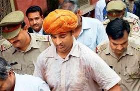 भाजपा विधायक संगीत सोम के सगे भाई काे पुलिसवालों ने थाने में पीटा, फिर एसएसपी पहुंच गए विधायक के घर और...