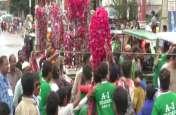 मोहर्रम- शिया समुदाय के लोग ने किया मातम और सुन्नी ने निकाले तख्त-छड़े- देखें वीडियो
