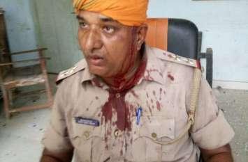 तजिया में करंट उतरने के बाद गुस्साएं लोगों ने पुलिस जीप सहित कई गाड़ियों में तोड़फोड़ की, दरोगा का सिर...