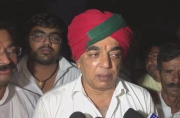 बीजेपी को लगा बड़ा झटका, मानवेन्द्र सिंह ने हजारों समर्थकों के साथ छोड़ी BJP, देखें वीडियो