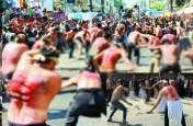 मुहर्रम का जुलूस निकालते समय हुआ कुछ एेसा, मच गया हड़कंप, कई लोग घायल