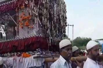 मुहर्रम की 10वीं को हुआ ताजिया जुलूस सुबह कर्बला में किए गए सुपुर्दे-ए-ख़ाक