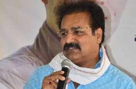 प्रतापसिंह खाचरियावास बोले- कुशासन और घमण्ड से परेशान नेता छोड़ रहे भाजपा