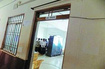 श्रम विभाग व पुलिस में तालमेल नहीं, अधिकारियों के संरक्षण में फर्जीवाड़ा व दलाली करने वालों पर कार्रवाई अधर में