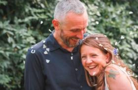 बीवी की लाश के साथ लगातार 6 दिन तक ऐसा काम करता रहा पति, राज़ से उठा पर्दा तो फटी रह गई लोगों की आंखें