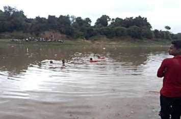 अहमदाबाद के पांच युवक डूबे